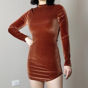 NWOT Windsor Faux velvet mini long sleeve dress